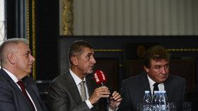 Andrej Babiš (ANO) hájil během superdebaty Blesku svoje EET.