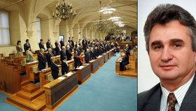 Milan Štěch je v horní komoře 20 let a vzpomíná: Senátory jsme losovali.