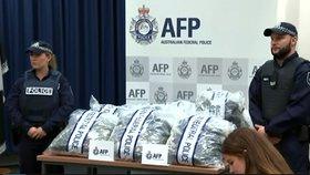 Australská policie se zabavenými drogami