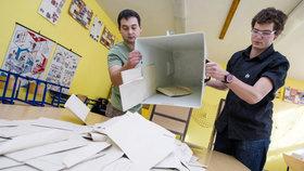 Mostecko čeká první den opakovaných senátních voleb.