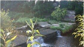 Vodní jez na řece Bystřici