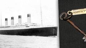 Klíček z Titanicu se prodal za 2,6 milionu korun. Patřil utonulému stevardovi.