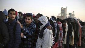 Christian Kern požaduje citelné krácení unijních prostředků pro členské země EU, které budou nadále odmítat přijímání uprchlíků.