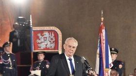 Předávání vyznamenání na Hradě: Miloš Zeman (28. 10. 2016)