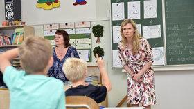 Ministryně školství Kateřina Valachová ve škole