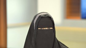 Norsko chce zakázat zahalování obličeje ve školách. Vadí v komunikaci mezi žáky a učiteli.