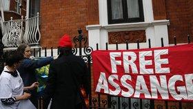 S WikiLeaks je úzce spojen Julian Assange.