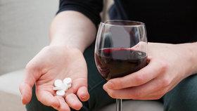 Lidé neznají své léky, hrozí vážné kontraindikace.