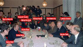 Listopad 1989: Komunisté a Občanské fórum vyjednávají