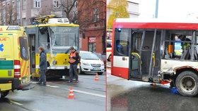 Srážka autobusu MHD s tramvají v Plzni, 17 zraněných lidí.