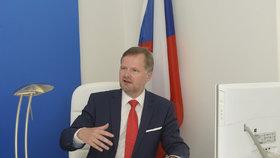 Šéf ODS Petr Fiala ve své kanceláři
