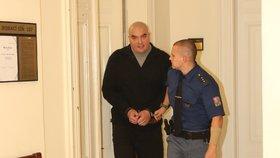 Alexandr Abadon u soudu s údajným taxivrahem