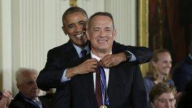 Obama rozdal americké nejvyšší civilní ocenění prezidentské Medaile svobody.