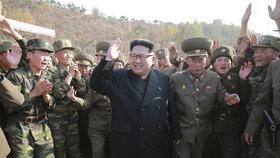 Vůdce KLDR Kim Čong-un asi poslal za svým strýcem do Česka špiona.