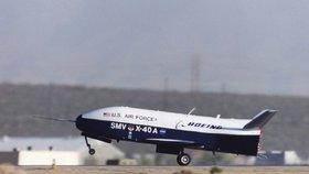 Americký bezpilotní raketoplán Boeing X-37