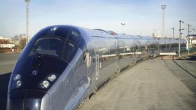 Vysokorychlostní vlak TGV. Kdy se rychlé dopravy na železnici dočkáme i v Česku?