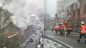 V Nejdku vyhořela truhlárna, škoda je odhadnuta na pět milionů.