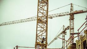 Staveb bytů od listopadu ubylo, nejvíce se buduje ve středních Čechách.