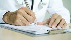 Lidé kvůli pandemii zanedbávají prohlídky u praktických lékařů (ilustrační foto)