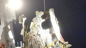 Vyprošťování trosek ruského TU-154, který spadl do Černého moře