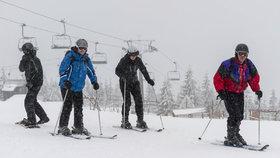 Po krátké oblevě se z teplot kolem nuly mohou radovat lyžaři, třeba na Medvědíně...