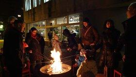 Náměstíčko v Proseku se má stát dějištěm pravidelného opékání buřtů.
