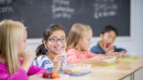 Zvýší se také podpora na školní dotované ovoce a zeleninu.