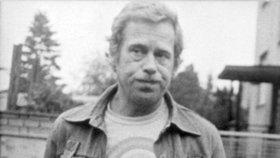 Desítky předvolání k výslechu a neustálé kontroly dokladů i při nákupu zažil Václav Havel (†75).