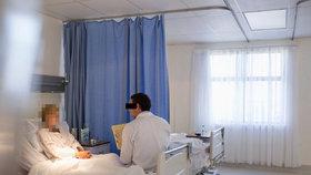 Až 2 roky neplacené ošetřovatelské dovolené: Návrh ČSSD se nelíbí ANO ani TOP 09. (ilustrační foto)