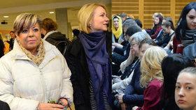 Pokračuje soud proti hidžábu, soudkyně vykázala veřejnost.