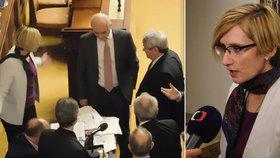 Ministryně Šlechtová se pohádala s komunisty ve Sněmovně. Vzali si pauzu a narušili projednávání zákona o pohřebnictví.