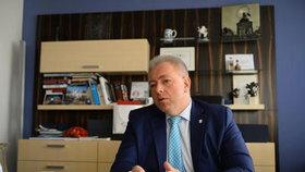 Na téma: Bezpečnost v problémových lokalitách odpovídal ministr vnitra Milan Chovanec (ČSSD).