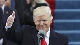 Donald Trump u řečnického pultu na svém inauguračním ceremoniálu