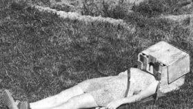 Takhle mučil Pilčík v domku v obci Zruč – Senec Danielu Balleyovou (12).