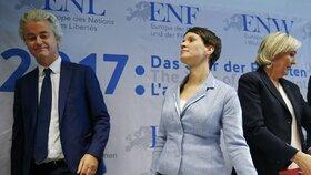 Špičky evropské krajní pravice se sešly na konferenci v německé Koblenci.