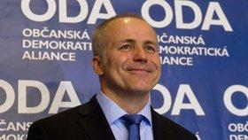Předseda Občanské demokratické aliance (ODA) Pavel Sehnal vystoupil 25. ledna v Praze na tiskové konferenci k zahájení činnosti strany. Sehnal se rozhodl ODA obnovit.