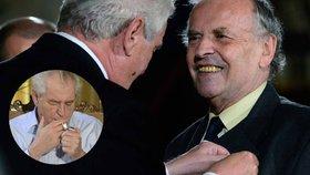 """Karel Srp zavzpomínal na to, kde poprvé uviděl Miloše Zemana - prý na Národní třídě. Poté ho již registroval jako předsedu ČSSD a """"šíleného kuřáka"""""""
