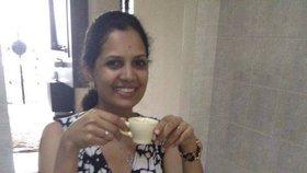 Singapurka Gayathri Bose měla na frankfurtském letišti nemilý zážitek.