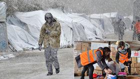 Takto to na Lesbu vypadalo před měsícem. I když už sníh slezl, slovenské dobrovolnice přijely do uprchlického tábora Moria pomoct rozdávat teplé oblečení