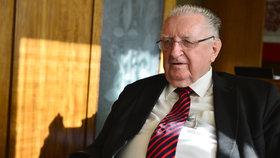 Senátor Čuba už 5 měsíců nebyl v Senátu. Bere ale peníze, jako kdyby tam chodil.