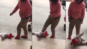 Děsivé video: Matka kopala do malého dítěte, vadilo jí, že pláče.