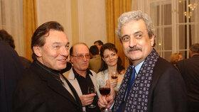 Pavel Dostál coby ministr kultury s Karlem Gottem a Petrem Jandou