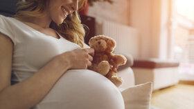 Stoupá počet samovolných potratů: Může za to věk žen, ale i mužů, říká odborník.