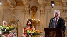 Prezident Miloš Zeman oznámil, že bude znovu kandidovat.