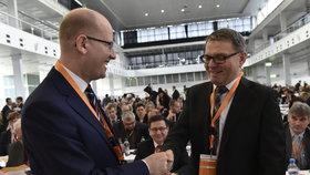 Bohuslav Sobotka a Lubomír Zaorálek na sjezdu ČSSD