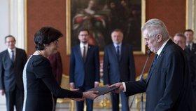 Prezident Miloš Zeman jmenoval 14. března v Praze Evu Zažímalovou do funkce předsedkyně Akademie věd ČR.