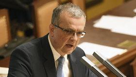 Miroslav Kalousek si ve Sněmovně stěžoval, že Andrej Babiš dal přednost otevření úseku dálnice D3 před jednáním PSP.
