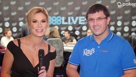 Leon Tsoukernik v rozhovoru na pokerovém turnaji