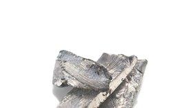 Čisté lithium se prodává za asi trojnásobek ceny vytěženého surového kovu.
