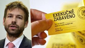 Ministr spravedlnosti Robert Pelikán (ANO) se rozhodl dupnout na exekutory. Snížil jim minimální odměny a paušální náklady. Lidem, kteří dluží menší částky, by tak exekuce mohly zlevnit.